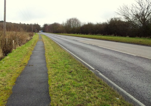 Roxton Road, Sustrans recommend the path, but the quiet road offers a superior surface